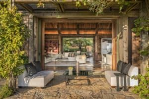 Inside a Howard Backen–Designed Pritchard Hill Compound