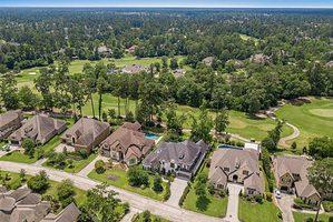 Above Par: 5 Enviable Homes on Golf Courses